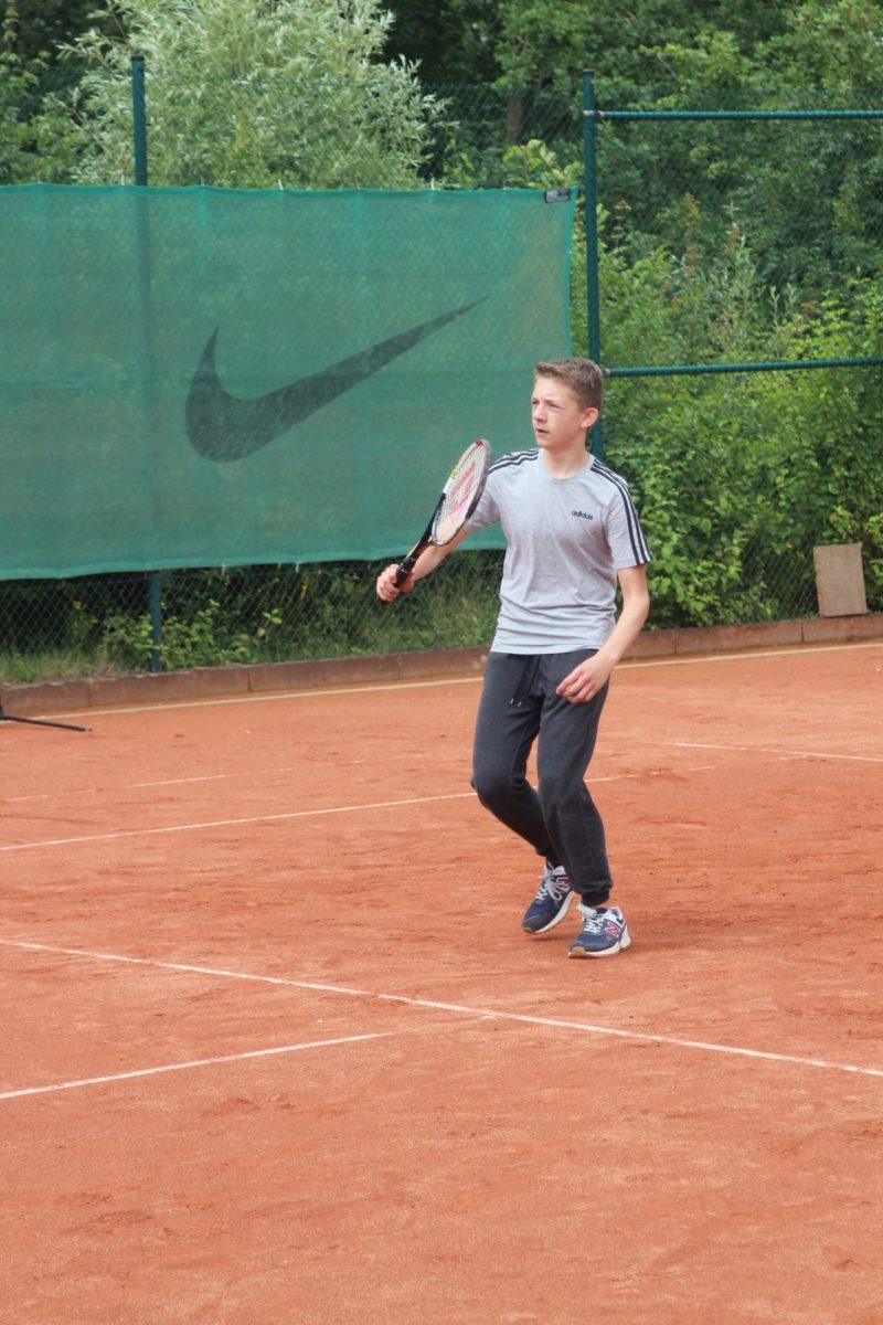 telekom-post-sv-tennisabteilung-feriencamp-2020-bild-15-klein